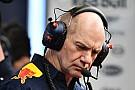 Формула 1 Cлухи: Renault пытается увести Ньюи из Red Bull