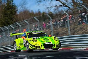 VLN Rennbericht VLN-Auftakt 2017: Porsche siegt auf der Nordschleife