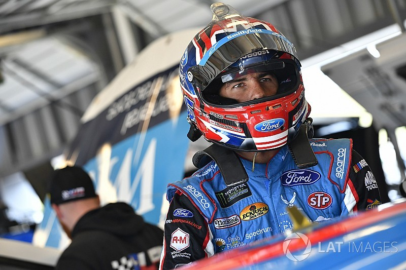 'Bubba' Wallace garante lugar na NASCAR em 2018