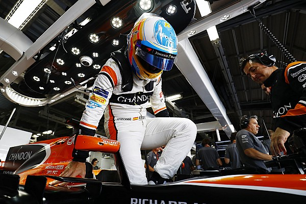«Контракт рассчитан надолго». Алонсо о своем будущем в McLaren