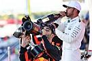 Red Bull, Ricciardo'nun yeri için Hamilton'la ilgileniyor!