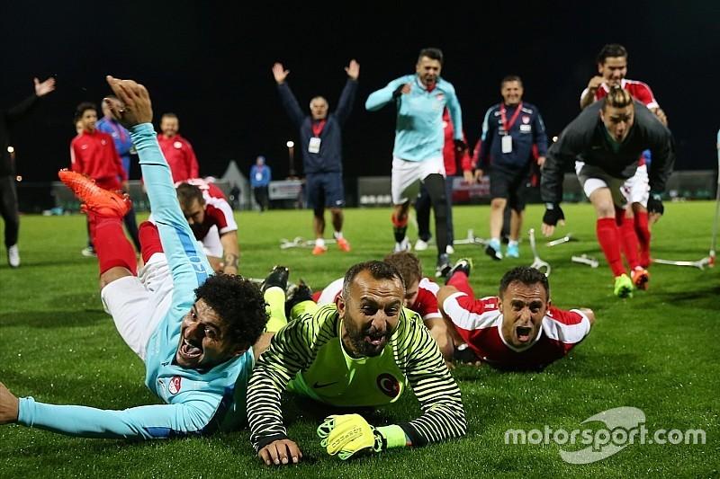 Ampute Milli Futbol Takımımızı kutluyoruz