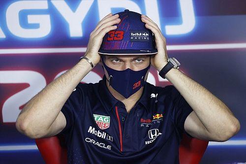 """Verstappen estalla contra """"ridícula"""" pregunta sobre Hamilton"""