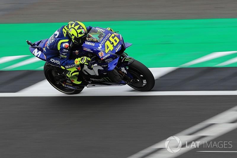 """Rossi lamenta 12º por erro no box: """"muito chateado"""""""