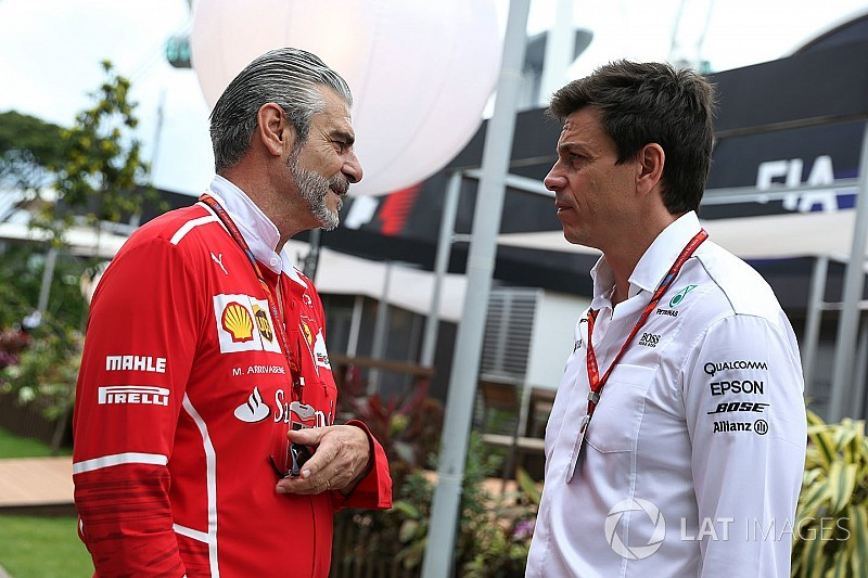 Chefe da Mercedes, Wolff lamenta por Ferrari e Vettel