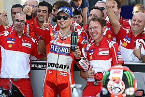 """MotoGP Noticias de última hora Lorenzo: """"Rossi ha ido muy rápido, como si no tuviera nada"""""""