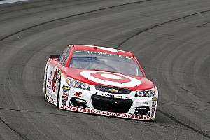 NASCAR Cup Gara Kyle Larson vince a Fontana e regala il successo a Ganassi