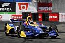 IndyCar Un inspirado Rossi vence a los Penskes para llevarse la Pole