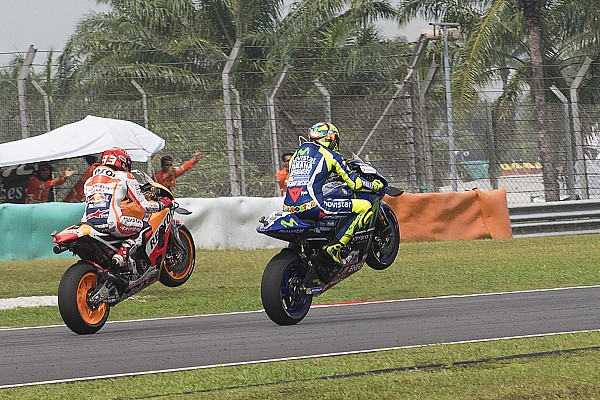 Rossi et Márquez rendent hommage à Simoncelli