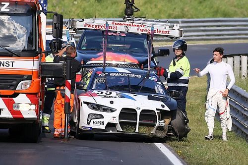 BMW: un incidente fa saltare l'esordio della nuova M4 GT3 in gara