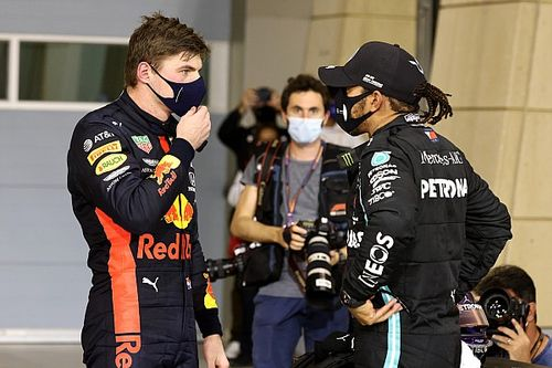 Mercedes отказалась флиртовать с Ферстаппеном