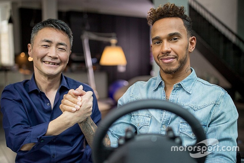 Hamilton lesz a gamerek mentora