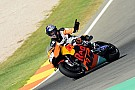 MotoGP Fotogallery: Tony Cairoli in pista a Valencia sulla KTM RC16 MotoGP