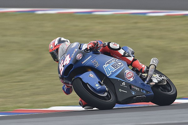 Moto2 Crónica de Carrera  Pasini se llevó una ajustada victoria en Moto2