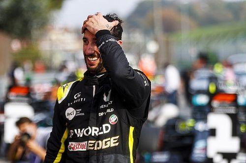 """Diretor da Renault exalta """"dom de motivar equipe"""" de Ricciardo"""