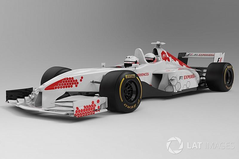 Megérkeztek az első hivatalos képek a 2018-as kétüléses F1-es autóról