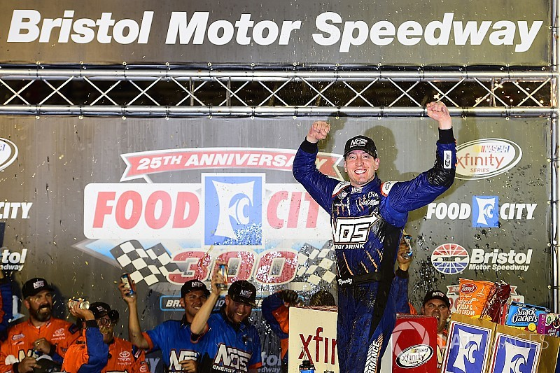 Kyle Busch completes second leg of Bristol trifecta with Xfinity win