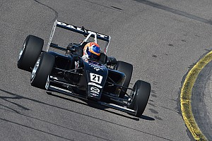USF2000 Raceverslag USF2000 Iowa: Van Kalmthout houdt titelstrijd levend met tweede plaats