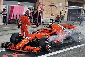 Formel 1 Fotostrecke Fotostrecke: Boxen-Unfall von Kimi Räikkönen