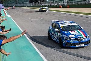 Clio Cup Italia Gara Imola, Gara 1: Sandrucci ipoteca il titolo, Jelmini è campione rookie