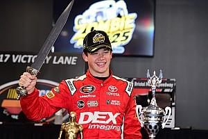 NASCAR Noticias NASCAR reconoció a sus nuevos y más jóvenes campeones