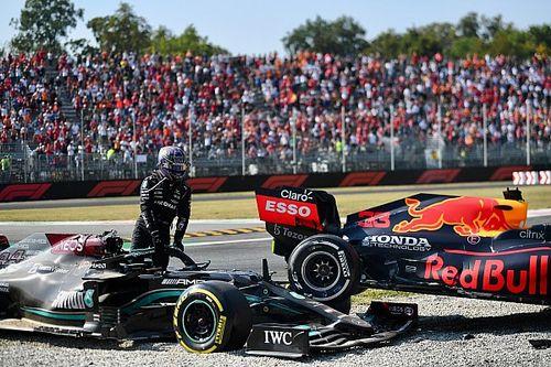 Hill sugiere que Verstappen chocó intencionalmente a Hamilton