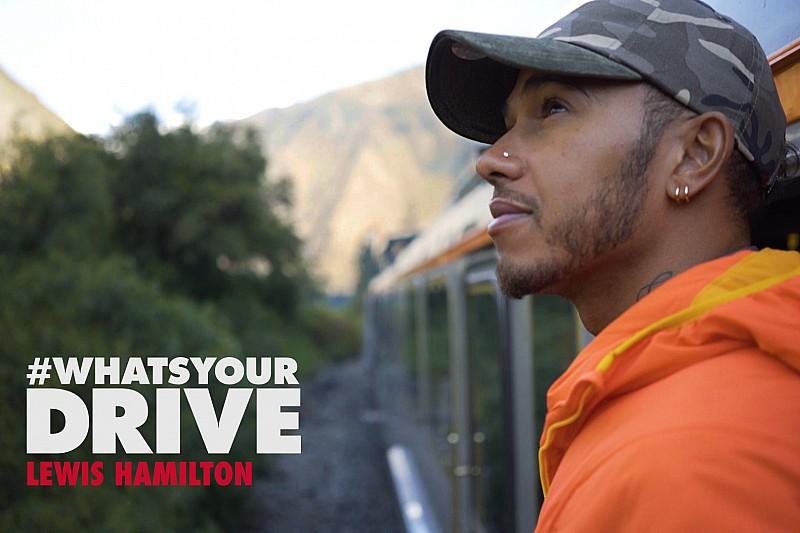 Hamilton, Tommy Hilfiger belgeselinde rol aldı