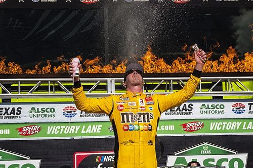 Kyle Busch hangs on for Texas Xfinity win in overtime