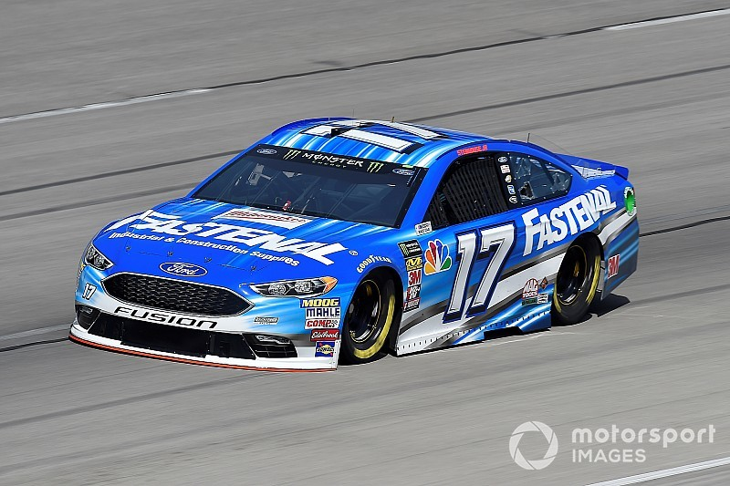 Ricky Stenhouse Jr. tops Kurt Busch in final practice at Texas