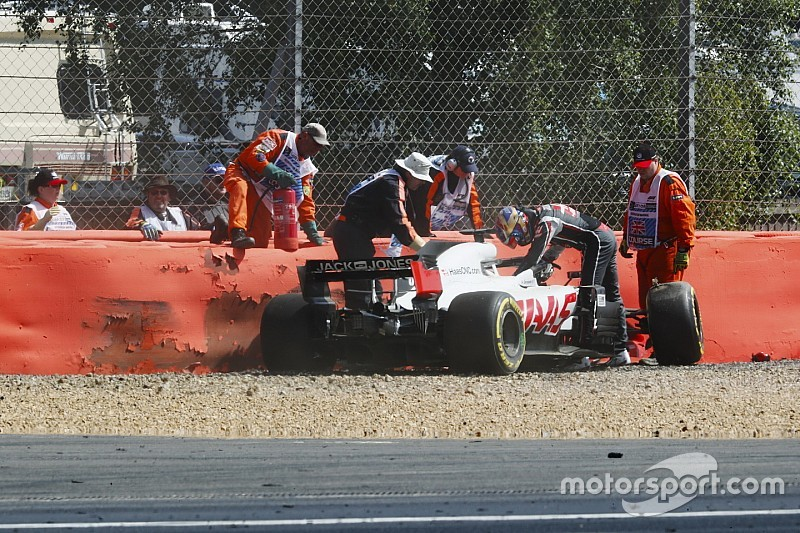 La scocca della Haas di Grosjean è KO: il francese non potrà girare nelle Libere 2 di Silverstone
