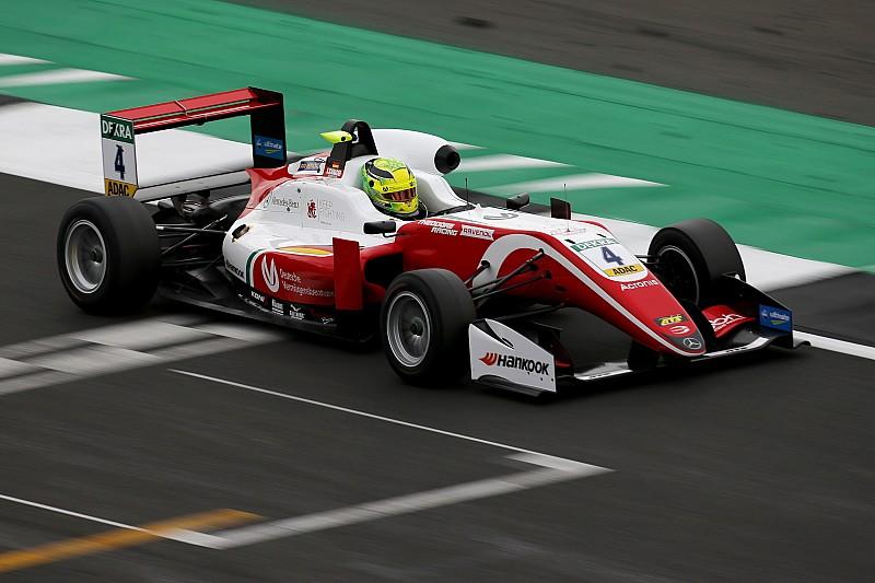 Silverstone F3: Schumacher dominates for second win