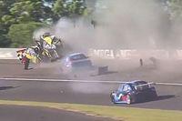 Vídeo: espeluznante accidente en la salida de una carrera en Argentina
