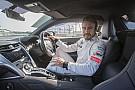 Video: una vuelta a 250 km/h con Fernando Alonso