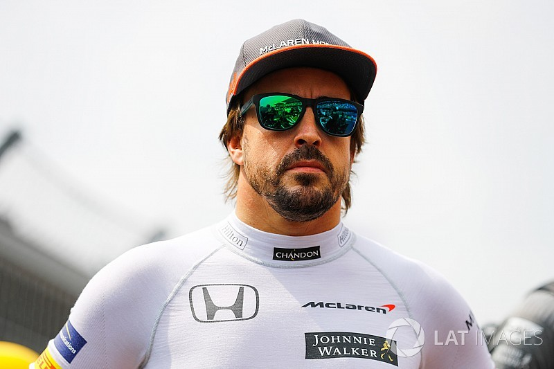 """""""Nada a comentar"""", diz Alonso de rumor de teste com a Toyota"""