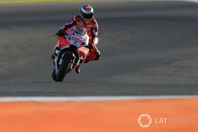 """Lorenzo: Ducati's 2018 progress """"delayed"""" compared to rivals"""