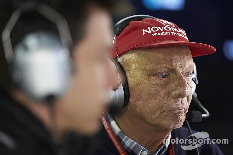 Lauda abandona el hospital dos meses después del trasplante de pulmón