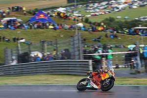 Moto2 Verslag vrije training Oliveira topt eerste training op vochtig Brno, crash Morbidelli