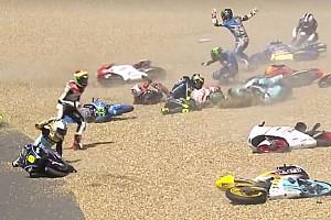 GALERI: Kecelakaan massal di Moto3 Le Mans 2017