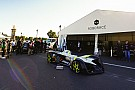 Roborace Premiere: Fahrerloses Roborace-Auto erstmals auf der Rennstrecke