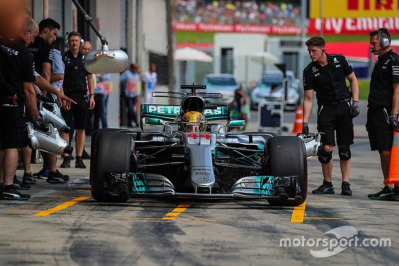 Hamilton dijatuhi penalti grid setelah ganti girboks