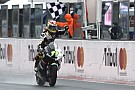 Moto2 Aegerter gana y Luthi da un golpe deefecto al campeonato