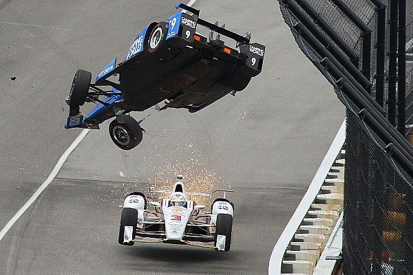Frame by frame: Scott Dixon's insane crash at the Indy 500