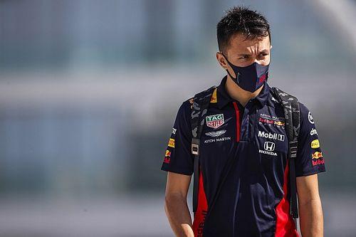 """Red Bull mantiene """"opciones a futuro"""" con Albon"""
