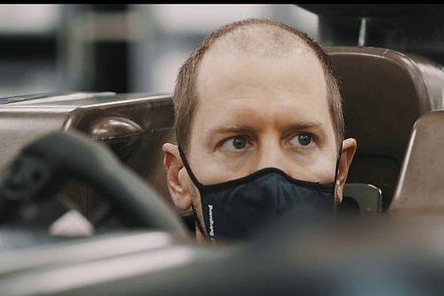 """Vettel """"debutta"""" in Aston Martin con un nuovo look"""