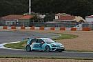 Estoril, Libere 1: Comini vola sull'umido con la Golf
