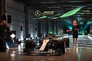 Mercedes trekt doek van W09 tijdens filmdag op Silverstone