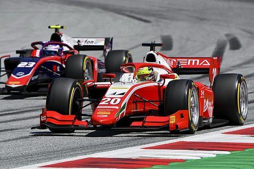 Mick Schumacher parádés előzése az F2-ben: centikre az ellenféltől (videó)