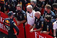 """Horner elogia la """"increíble actuación"""" de Verstappen en Silverstone"""