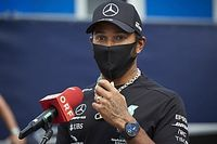 A pletykák szerint a Mercedes körülbelül fele annyit ajánlhat Hamiltonnak, mint amennyit kereshet