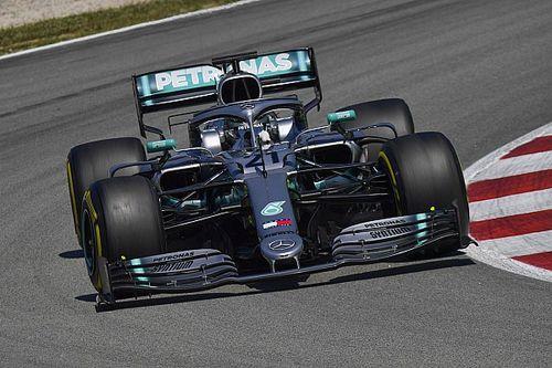 Mazepin se luce con el Mercedes y lidera el último día de test en Barcelona